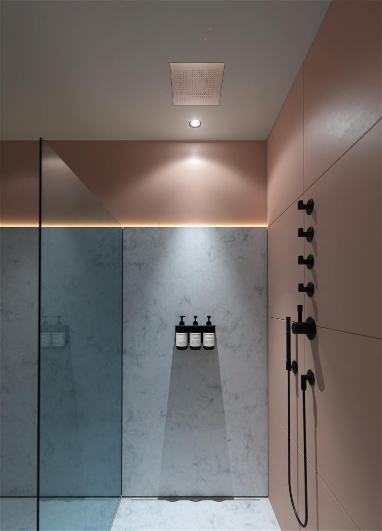 shower_00000-2